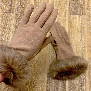 Tan Fur Gloves